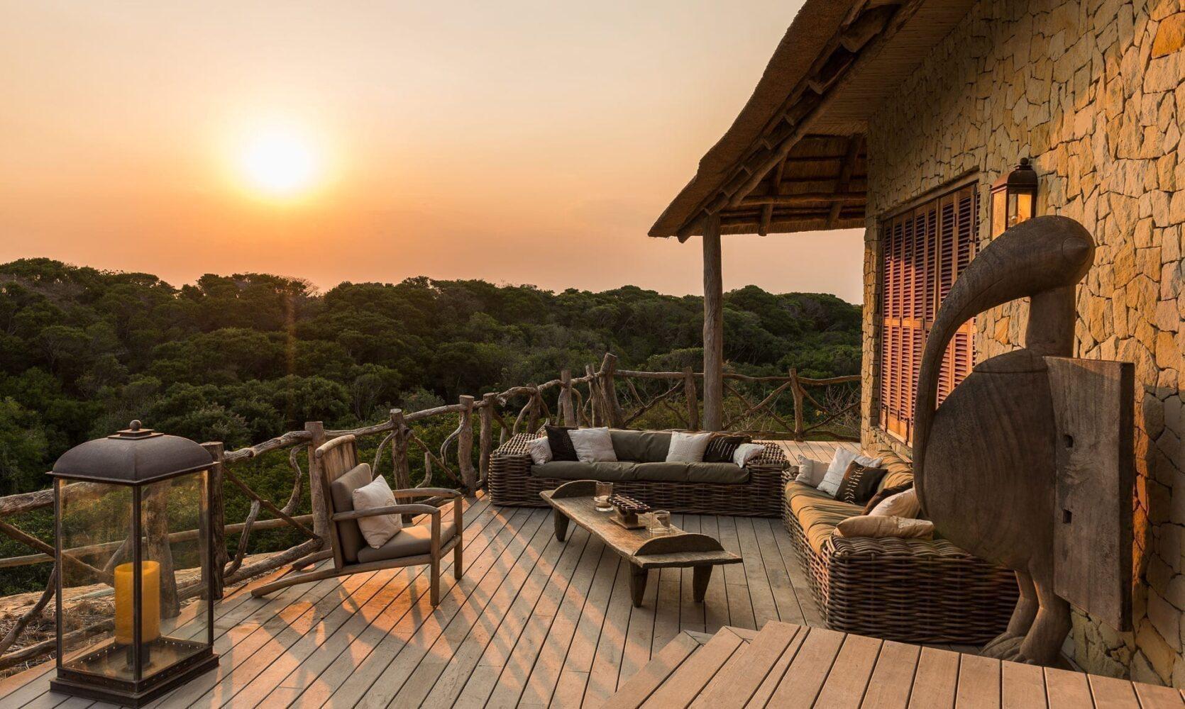 solnedgång på Colina Verde, en lyxvilla i Machangulo som du kan hyra till dig och din familj eller dina vänner - en av tre resetrender 2021 och framåt som vi tror mycket på