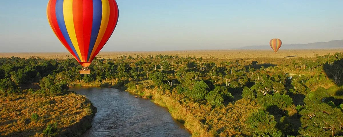 En av sakerna du kan göra under din resa till Afrika i covidtider är flyga ballong över Maasai Mara eller Serengeti
