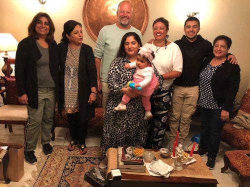 Tina Sayed Nestius och hennes man Mikael Nestius tillsammans med delar av familjen i Nairobi