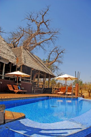 phoca_thumb_l_the-main-lodge-and-swimming-pool